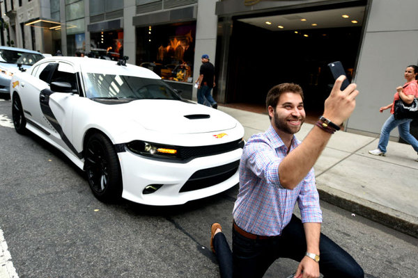 an uber driver taking a selfie for Real-Time ID Check